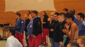 Bushido-Judokas beobachten gespannt das Wettkampfgeschehen
